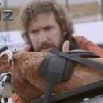 LG G2 reklama sa nogometnom kacigom i kokoši